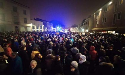 Sardine a Padova: la piazza sfida Salvini VIDEO