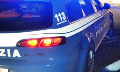 Reagiscono male a un controllo a Prato della Valle e feriscono 4 agenti: 5 arresti