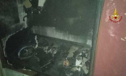 Brucia una mansarda nel centro di Padova: danni ingenti
