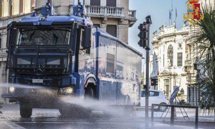 Padova: per pulire le strade anche gli idranti della Polizia