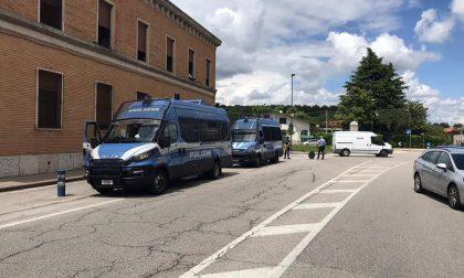 Operatore positivo al Covid, rivolta dei migranti nel Trevigiano: oggi l'esito dei tamponi