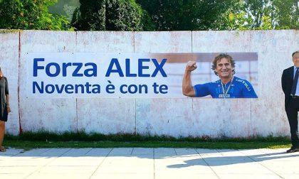 """""""Forza Alex, Noventa è con te"""", in piazza spunta lo striscione per Zanardi"""