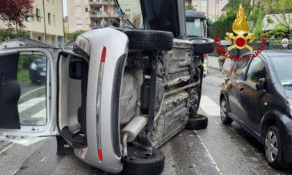 Auto si ribalta, conducente ferito a Padova