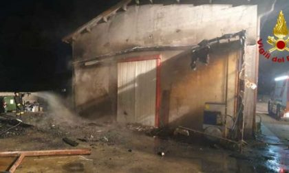 Trebaseleghe: falegnameria in fiamme nella notte