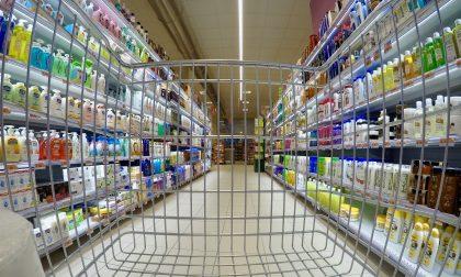 """Distanze non rispettate: supermercato """"squalificato"""" per cinque giorni"""