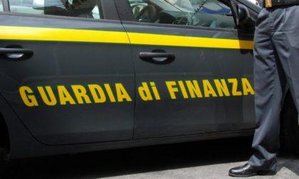 Padova, maxi sequestro di prodotti per il trucco pericolosi per la salute