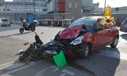 Incidente a Padova: auto contro un ciclomotore, un ferito
