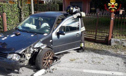 Piombino Dese, violento scontro tra auto in via Molinella: due feriti