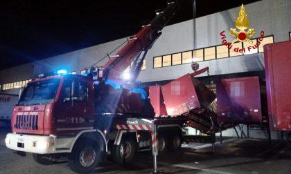 Container cede durante la manovra: operaio viene travolto e ferito