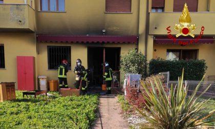 Incendio a Villafranca Padovana: in fiamme una porzione di una villetta a schiera