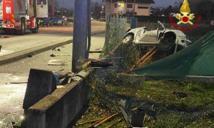 Tragedia a Vigonza: l'auto finisce contro i contatori del gas, morto un 19enne – Gallery