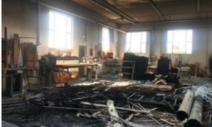 Due incendi dolosi, mobilificio Casarotti in ginocchio, ma Axa non risarcisce