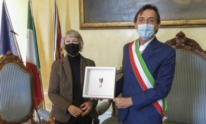 Consegnata la medaglia dell'Hand Medal Project che onora gli operatori sanitari