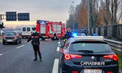 Auto ribaltata in tangenziale a Padova: traffico in tilt