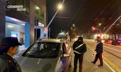 Controlli straordinari dei Carabinieri alla Galleria San Carlo: arrestato un 38enne – Gallery
