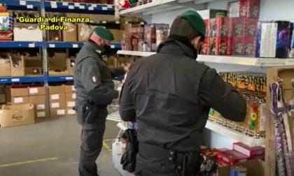Fuochi d'artificio detenuti illegalmente: sequestrati 2 quintali tra Padova e Mestrino - Gallery