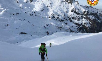 Due escursionisti rimasti bloccati lungo la Ferrata Guzzella