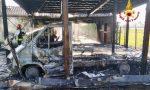 Le foto dell'incendio che ha divorato un camper ad Agna