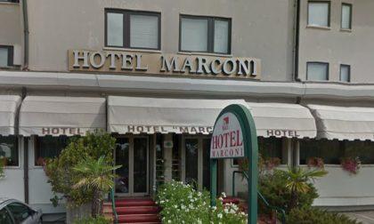 Soggiorna all'hotel Marconi e poi se ne va senza pagare il servizio