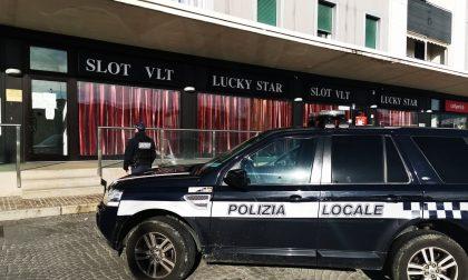 Polizia Locale scopre giocatori d'azzardo in una sala slot, scatta la sanzione