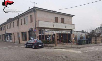 Bar a Pozzonovo chiuso per 5 giorni: al suo interno 32 clienti, ben oltre la capienza consentita