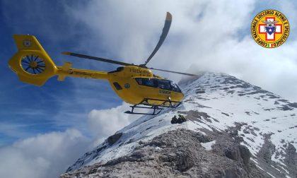 Incidente in montagna nel Bellunese, scialpinista di Cittadella ferito alla gamba