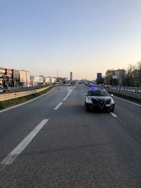 Tragedia sfiorata in tangenziale a Padova, carico in bilico sul tir: pesanti ricadute sul traffico