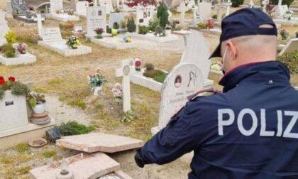 Raid vandalico al cimitero dell'Arcella a Padova