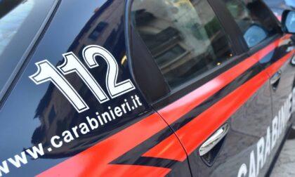 In casa aveva due vecchie rivoltelle mai denunciate: allora i Carabinieri denunciano lui