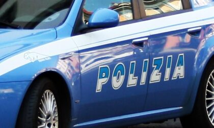 Piazzale della Stazione, minacce col coltello e poi calci e pugni agli agenti: due stranieri arrestati