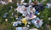 """Ritrovo di sbandati e spacciatori, le desolanti foto del degrado al """"Pace Park"""""""