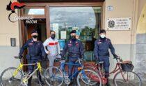 """Ladro """"ecologico"""", ruba tre bici elettriche e prova a fregare i Carabinieri: denunciato"""