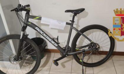 """Nessun divieto poteva dissuaderlo dal continuare a rubare biciclette: denunciato il """"ladro ciclista"""""""