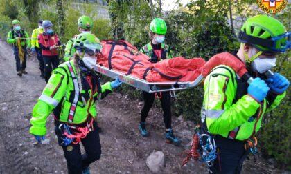 Granfondo Spaccapria, rovinosa caduta dalla mountain bike: soccorsa 23enne ferita