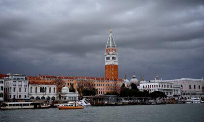 Allerta gialla in Veneto, precipitazioni consistenti e possibili disagi al sistema fognario