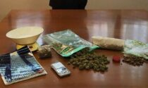 """Trovato in possesso di marijuana e un quaderno con la """"contabilità"""": arrestato pusher"""
