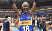 """Paola Egonu """"schiaccia"""" razzismo e omofobia: """"Portabandiera azzurra alle Olimpiadi? Un bel segnale"""""""