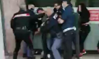 """Maxi rissa in piazza Duomo, il 20enne padovano """"bandito"""" dalla zona dell'aggressione"""