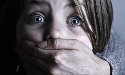 Incubo per una 13enne sola in casa e coi ladri alla porta: due arresti