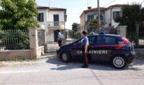 Violenta rapina in casa a Saonara, pensionato minacciato con la pistola e preso a bastonate