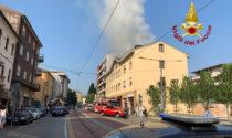 Incendio viale Arcella Padova: i video e le foto, due intossicati nell'appartamento mansardato