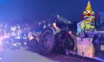 Trebaseleghe, le foto dello scontro tra il trattore e un'auto: un ferito