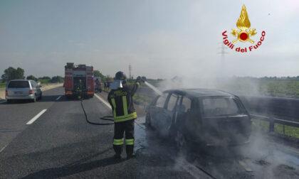 Svincolo Terme Euganee, auto divorata dalle fiamme in A13