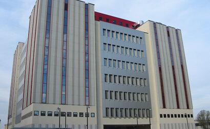 Tragedia a Padova, si lancia dal sesto piano delle Torre Archimede: morto dipendente dell'Università