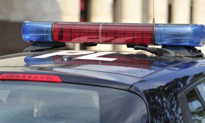 Furiosa litigata tra due 20enni finisce a coltellate: la Polizia locale evita la tragedia