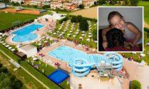 Bimbo morto in piscina, la bagnina 22enne ci ha provato fino alla fine
