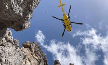 Escursionista si ferisce scivolando sul ghiaione tra forcella Erbandoi e la cima del Talvena