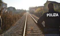 Va a trovare il papà e poi si lancia sotto il treno: il messaggio d'addio chiuso in una cassaforte