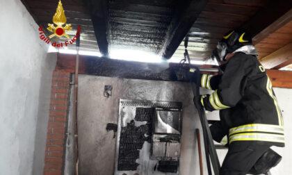 Brucia l'impianto fotovoltaico di casa, momenti di paura ad Arre