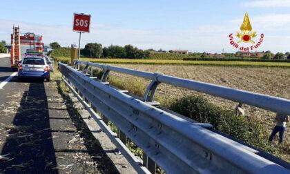 Incidente sull'A13 a Padova, le immagini della vettura finita nel canale